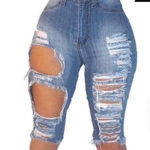 Pants - Distressesd bermuda shorts